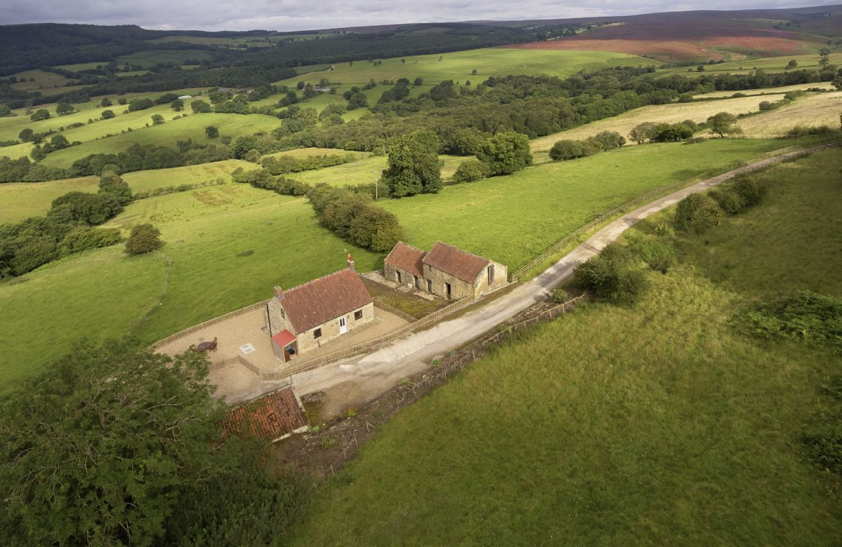 Details about a cottage Holiday at Threp'nybit Cottage