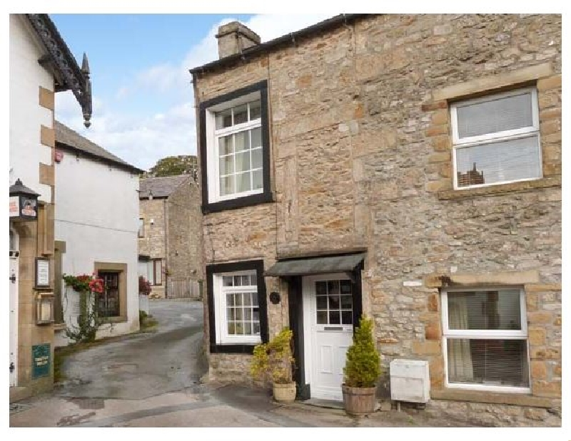 Click here for more about Black Horse Cottage