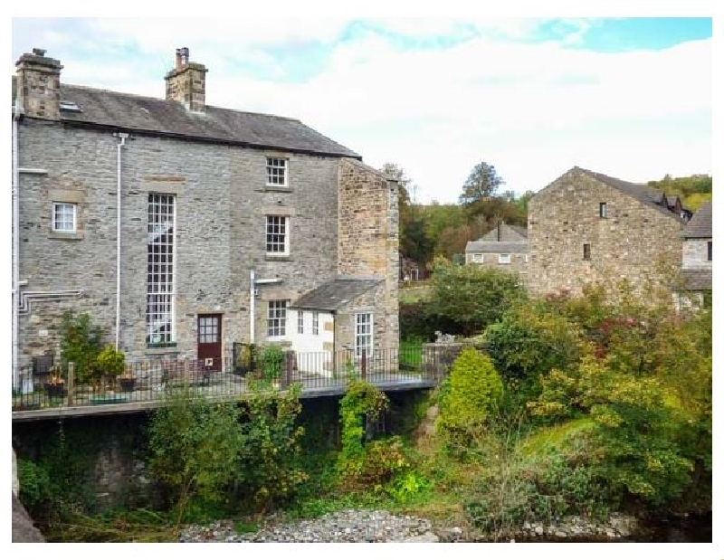Click here for more about Bridge End Cottage