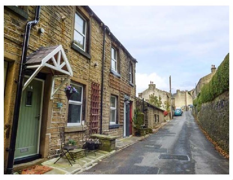 Click here for more about Coombes Hill Cottage