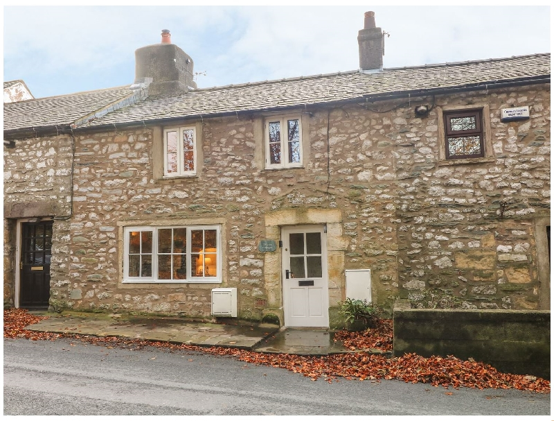 Click here for more about 2 Storrs Cottages