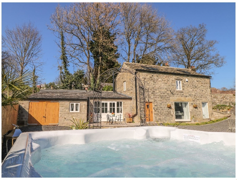 Click here for more about Cunliffe Barn