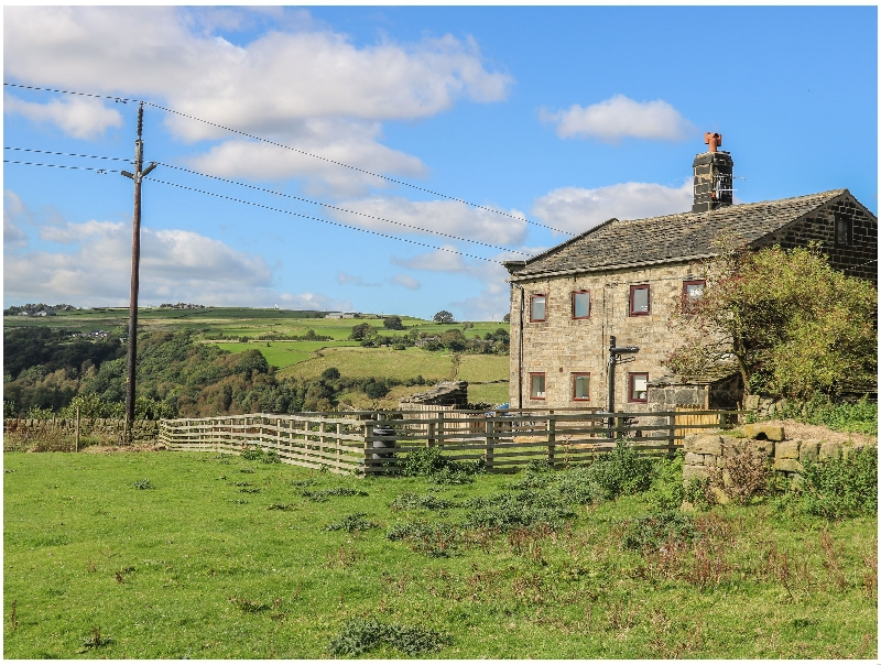 Click here for more about 1 Horsehold Cottage