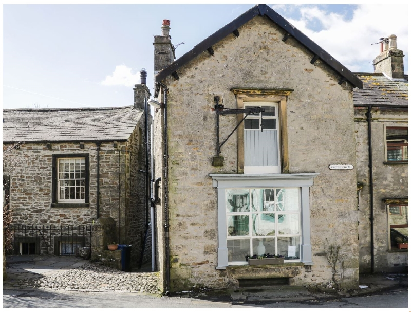 Click here for more about Chandlers Cottage